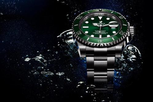 The water resistant replica Rolex Submariner Date 116610LV watches have green dials with white luminant hour marks and hands.