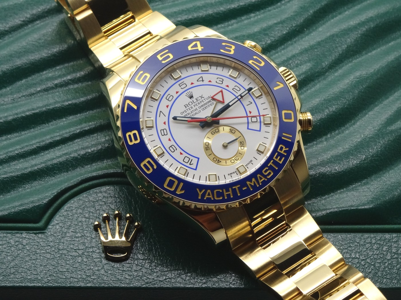 Th durable replica Rolex Yacht-Master II 116688 watches can guarantee water resistance to 330 feet.