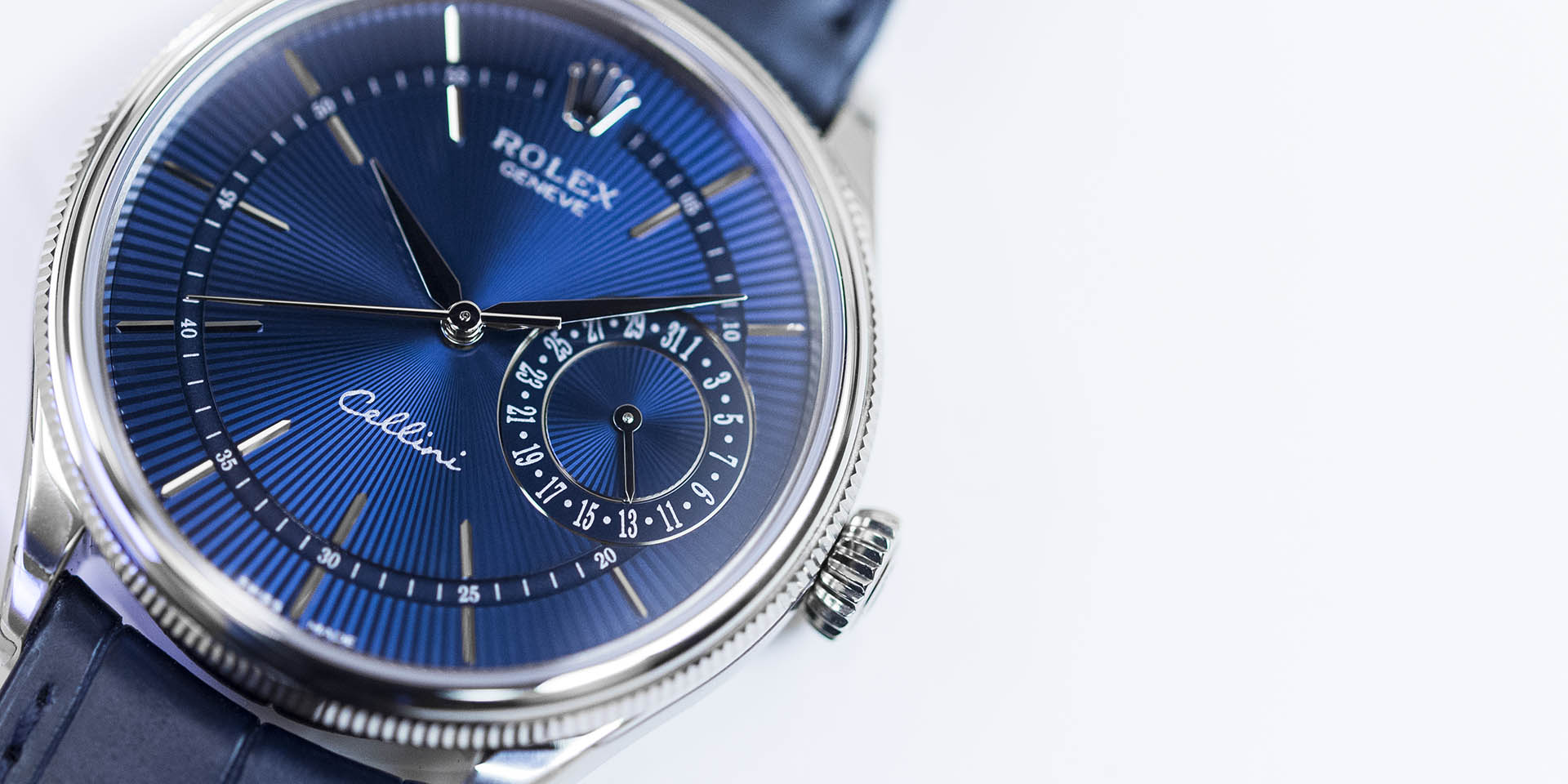 The 39 mm copy Rolex Cellini Date 50519 watches have blue dials.