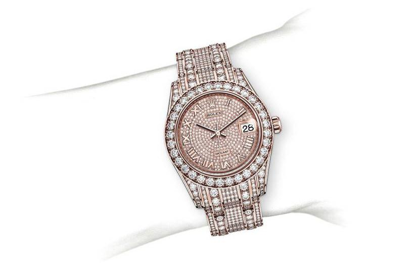 The everose gold replica watches are decorated with diamonds.