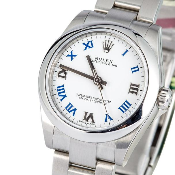 The Oystersteel copy watches have white dials.